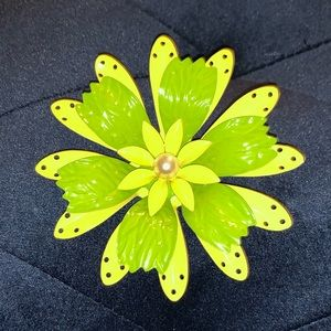 Jewelry - 5/$25 Vintage inspired Flower pin brooch